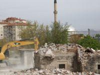 Kazımkarabekir'de Mahalle Halkı Evlerini Kendileri Yıkıyor