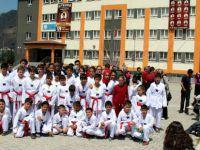 Altınoluk'ta spor salonuna alınmayan öğrenciler mağdur oldular