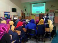 Eğitimci Yazar Hacı Sarı Çocuklar, aldıkları belgelerle değerlendirmemeli