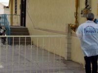 Kayseri'de bir kişi yalnız olduğu sırada gardıroba asarak intihar etti