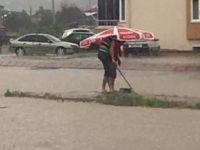 Kayseri'de yağmur yağdı yollar göle döndü FOTO