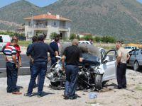 Zincidere'de 2 otomobil kafa kafaya çarpıştı: 5 yaralı