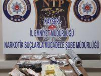 Kayseri'de uyuşturucu operasyonu: 2 gözaltı