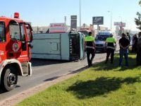 Kocasinan'da Suriyeli işçileri taşıyan minibüs devrildi: 3 yaralı