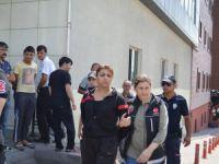 Kayseri'de Uyuşturucudan gözaltına alınan 7 kişi adliyeye sevk edildi Foto