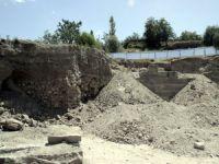 Karacaoğlan'da Temel kazısından tarih fışkırdı