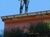 Develi'de binanın çatısına çıkarak intihar girişiminde bulundu