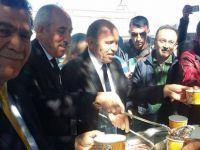 Ak Parti Kocasinan İlçe Başkanı Muammer Kılıç Cuma namazı sonrası aşure ikram etti