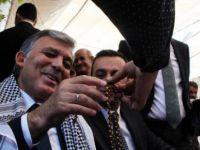 Abdullah Gül 'mırra' içip, kuzu ciğer kebabı yedi