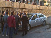Fuzuli'de Otomobilin çarptığı beton saksı
