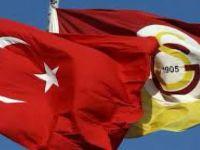 Galatasaray'da Sahaya çıkan oyuncular İstiklal Marşı'nı söyleyemediler