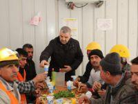 Başkan Çelik'ten işçilere pazar sürprizi