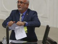 Elitaş Meclis'te FETÖ'nün gönderdiği kağıtları yırttı-video