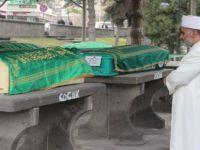 Anne ve 3 çocuğu Erkilet mezarlığına defnedildi