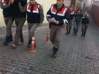 Yuvalı'da Mahalleyi elektriksiz bırakan hırsızlar yakalandı
