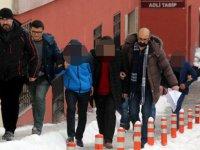 Kayseri'de esnafı perişan eden çeklerini kıran 4 tefeci tutuklandı