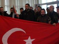 Kudüs'te gözaltına alınan 6 işadamı Kayseri'de Türk bayrakları ile karşılandı