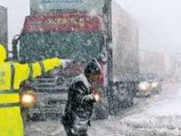 Erciyes-Hacılar yolunda mahsur kalan 80 araç kurtarıldı
