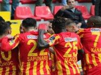 Kayserispor, sahasında Kasımpaşa'yı 3-2 mağlup etti