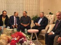 Başbakan Yıldırım, bıçaklanan belediye başkanı Öztürk'ü ziyaret etti