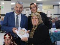 Başkan Çelik ve eşi,Regaib Gecesi'nde Huzurevi'ndeki yaşlılarla bir araya geldi