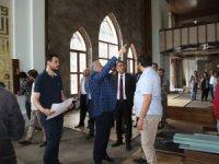 Çelik, Asri Mezarlık girişinde yapılan çalışmaları da yerinde inceledi