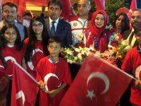 Avrupa Şampiyonu Hayriye Türksoy,Kayseri'de Türk Bayraklarıyla karşılandı