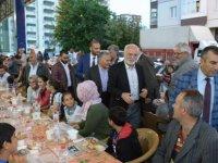 Başkan Büyükkılıç Altınoluk Mahalle halkıyla iftar açtı