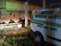 Kayseri'de tren işçilere çarptı: 1 ölü, 1 yaralı
