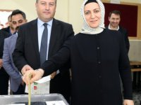 Talas Belediye Başkanı Palancıoğlu oyunu eşi ve partililerle kullandı