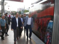 Başkan Çelik,15 Temmuz temalı raylı sistem aracı ile yolculuk etti