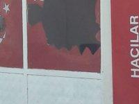 Saadet Partisi Hacılar İlçe Başkanlığının camlarını kırdılar