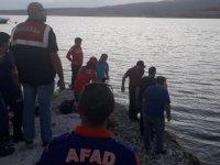 Kuşcu'da Serinlemek için baraj gölüne giren genç kayboldu