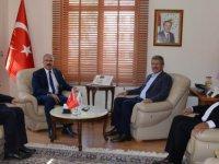 Başkan Akay Tokat Valisini ziyaret etti