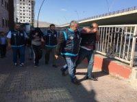 Talas, Kocasinan ve Melikgazi'de Bağ evinden hırsızlık gerçekleştiren 2 kişi tutuklandı