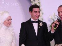 Cumhurbaşkanı, Erdoğan Furkan ve Beyza çiftinin nikah şahidi oldu