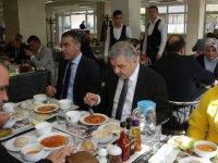 Başkan Çelik, öğle yemeğinde Belediye personeli ile bir aradaydı