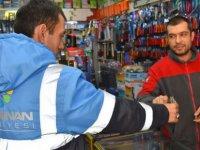 Temizli İşçilerinden Örnek Davranış! Para Dolu Cüzdanı Sahibine Teslim Ettiler