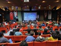 AGÜ'de Sanayide Dijital Devrim Paneli Düzenlendi