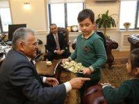 İlkokul öğrencilerinden Başkan Büyükkılıç'a ziyaret