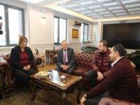 Kayserispor Başkanvekili Berna Gözbaşı ile Kapalı Kale Derneği Başkanı Dirgenali,Başkan Büyükılıç'ı ziyaret etti