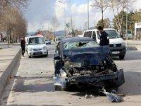 Keykubat Mahallesi'nde Otomobil halk otobüsüne arkadan çarptı: 3 yaralı