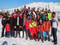 Erciyes'te kar voleybolu tüm hızıyla devam ediyor