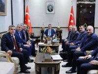 Başkan Büyükkılıç, Cumhurbaşkanı Yardımcısı Oktay'ı Ziyaret Etti