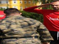 En Büyük Asker Bizim Asker Yeminini etti, antrenmanı izledi