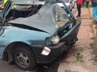 Fevzi Çakmak'ta aşırı hız kaza getirdi ön tarafı kağıt gibi ezildi