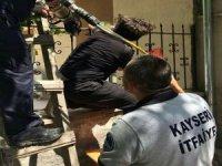 Sahabiye'de Bahçe duvarından atlarken kolu demir korkuluklara saplandı