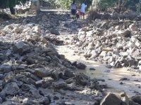 Yahyalı ilçesinde dün yaşanan sağanak yağış sele neden oldu