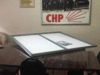 Kayseri'de CHP ilçe binasına saldıran sanığa 4 yıl hapis