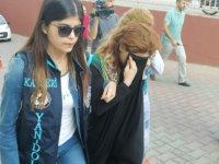 Kayseri'de evlilik vaadiyle baba ve oğlunu dolandıran genç kız yakalandı